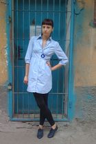 blue H&M shirt - black Stradivarius leggings - blue red lips shoes - blue gift n