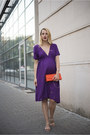 Deep-purple-maternity-zara-dress-gold-kristin-perry-bracelet