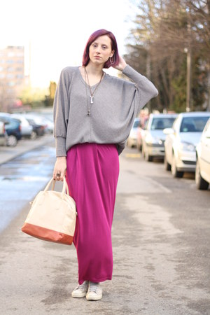 magenta nowIStyle skirt - heather gray Converse shoes