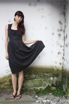 black vintage dress - black random shoes