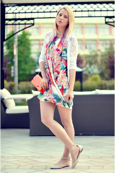 salmon floral print H&M dress - orange Tiramisu alle fragole bag