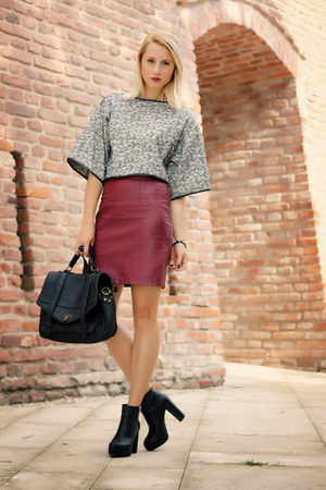 H&M boots - nowIStyle bag - faux leather H&M skirt - crop top Zara top