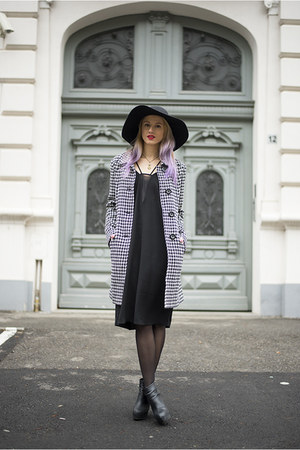 black ankle boots H&M boots - black H&M dress - white houndstooth c&a coat