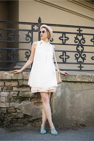 white Woman Fashion top