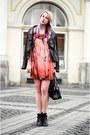 Black-ankle-boots-stradivarius-boots-orange-silk-stella-mccartney-dress