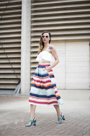 navy Woman Fashion skirt - white Tobi top