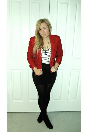 red vintage blazer - white ping pong t-shirt - blue diva necklace - black Bauhau