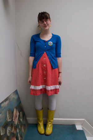 blue Topshop cardigan - red Secondhand dress - gold Sacha boots