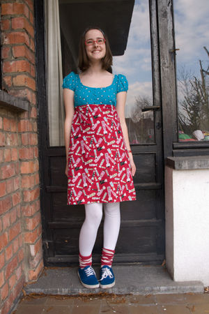 blue H&M dress - red Topshop skirt - blue new look shoes