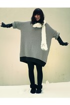 white Pimkie scarf - blue H&M dress - black notugg boots - gray camieu gloves