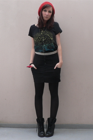 selfmade hat - H&M shirt - Bershka skirt - new look boots