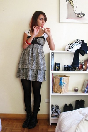 Bershka top - Zara dress - Calzedonia tights - united colors of benetton boots