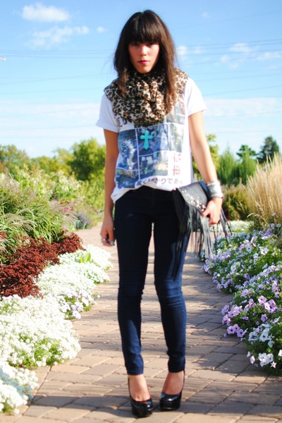 Forever 21 shoes - Forever 21 jeans - Heritage 1981 shirt - H&M scarf - H&M bag