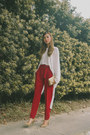 Gold-sm-bag-tan-sm-heels-red-mango-pants-white-mango-top