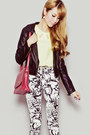 Black-sheinside-jacket-light-yellow-gowigasa-shirt-maroon-san-sue-bag