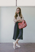 beige Happymallow sweater - brick red PROENZA SCHOULER bag - off white SM flats
