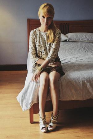 ivory paint splatter Zara dress - gold Capital Vice heels