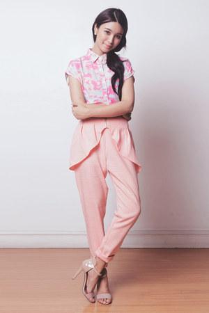 pink camo blackfive top - salmon peplum Her Spot pants