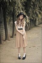 ivory H&M socks - ivory madewell top - camel H&M skirt - black Zigi wedges