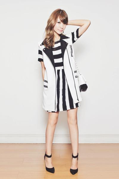 black striped Motel Rocks dress - white two-tone chicnova bag