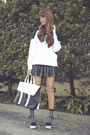 Black-two-tone-emoda-bag-white-two-tone-cecil-mcbee-sweater