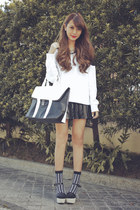 black two-tone EMODA bag - white two-tone cecil mcbee sweater