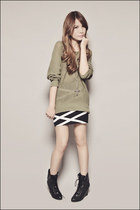 olive green Forever 21 sweater - black Forever 21 boots - black Forever 21 skirt
