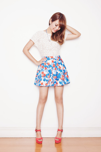 tropical print Just G skirt - lace Just G top - Just G necklace