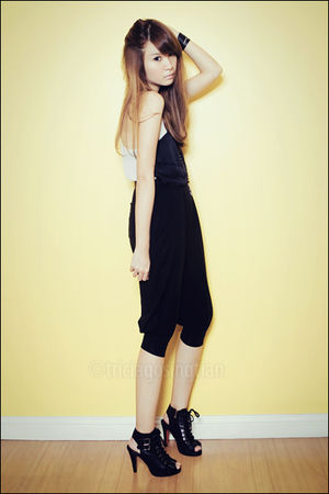 beige top - black pants - black from Korea shoes - black necklace - black from K