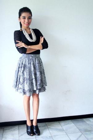 Topshop skirt - Zara boots - Danias necklace - NN top