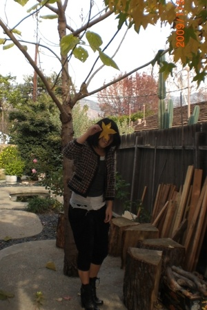 H&M jacket - Hanes top - Uniqlo top - Erin Brine pants - Guess shoes