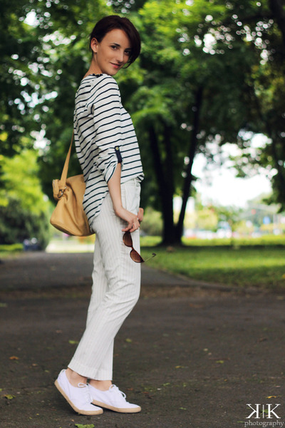 navy Zara blouse - white Zara pants - white Adidas sneakers