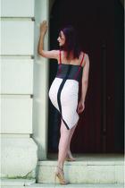 light pink poema skirt - navy intimissimi top - neutral Steve Madden sandals