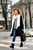 white Zara scarf
