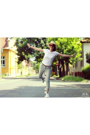 white Zara t-shirt - turquoise blue Mango jeans - white Adidas sneakers