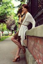 cream Zara cardigan - crimson Boutique 9 heels