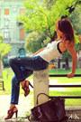 Zara-jeans-motivi-top-manolo-blahnik-sandals