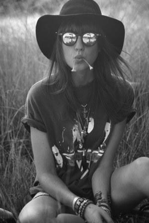 hippie bracelet - floppy hat