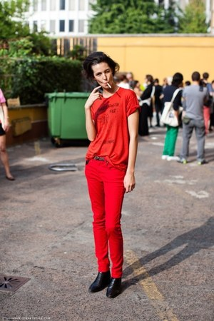 red shirt - red pants