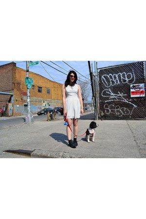 black kensie boots - white Express dress - tan Michael Stars sunglasses