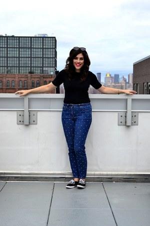 black Urban Outfitters sunglasses - blue Boden jeans - black Gap t-shirt