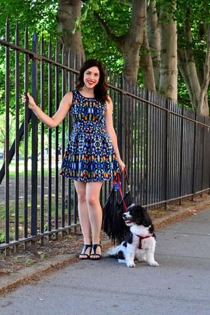 black H&M purse - blue Romeo & Juliet Couture dress - black Bakers sandals