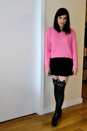 black Chelsea Crew boots - bubble gum H&M sweater - black tights