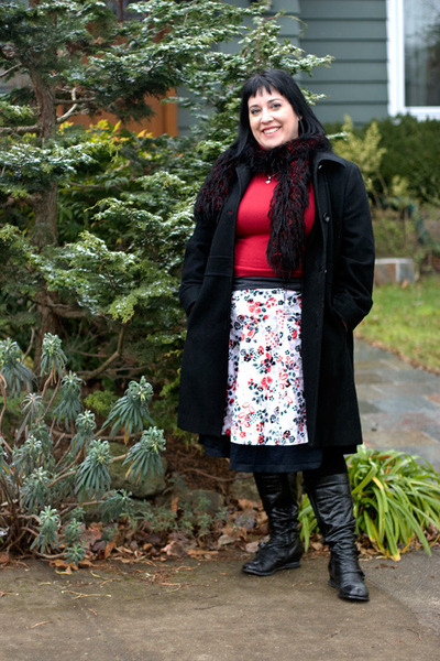 floral print unkown skirt - bloom button Miss Mooz boots
