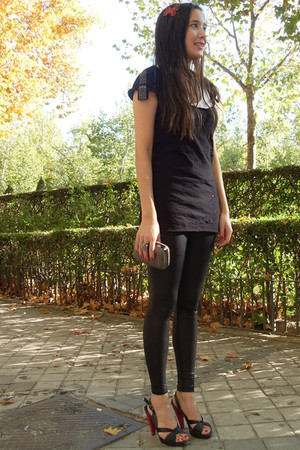 black American Apparel leggings - Zara - Zara - black Zara t-shirt - brick red M