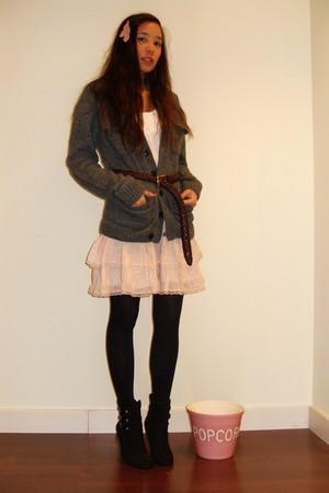 Vintage Shop Le Marais Paris belt - black Primark boots - light pink Zara dress
