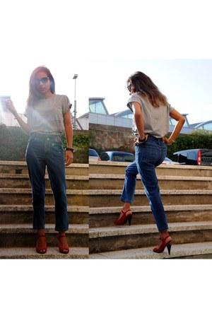 cabanon bleu t-shirt - vintage jeans - Zara sandals