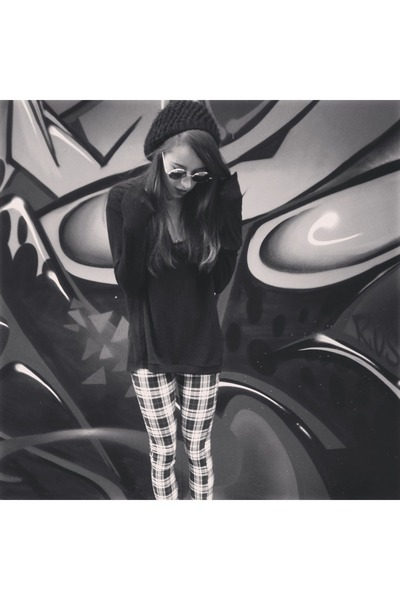 black black beret H&M hat - black Topshop leggings - Topshop sunglasses