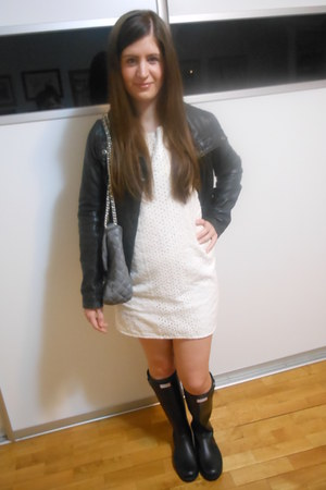 black Hunter boots - off white pull&bear dress - black Stradivarius jacket