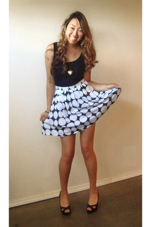 black cotton tank Forever21 shirt - black polka dot skirt Bebe skirt